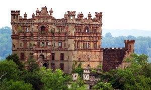 castello Banneramn 300x180