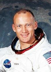 E Aldrin-180X250jpg