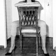 linguaggio-del-corpo-seduta-cavalcioni-180x180