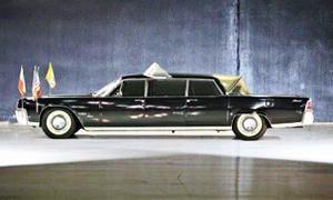 L'automobile del papa-300x180