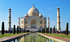 17 giugno 1631 - Viene eretto Taj Mahal-300x180