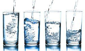 Acqua distillata a vapore e acqua deionizzata o demineralizzata-300x180