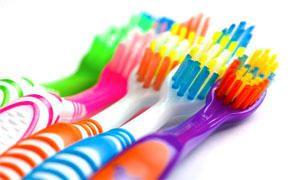 I mille usi dello spazzolino da denti-300x180