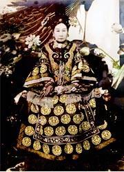 Un'imperatrice amante del lusso e dell'opulenza-180x250