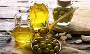 Concentrato di pomodoro, funghi secchi, grassi e olive-300x180