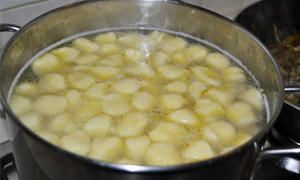 Cuocere gli gnocchi e la polenta-300x180
