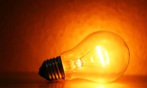 Alimentare una lampadina dopo la scomparsa dell'umanità -300x180
