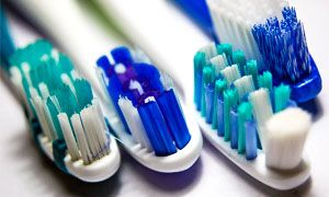 Cambiare lo spazzolino-300x180