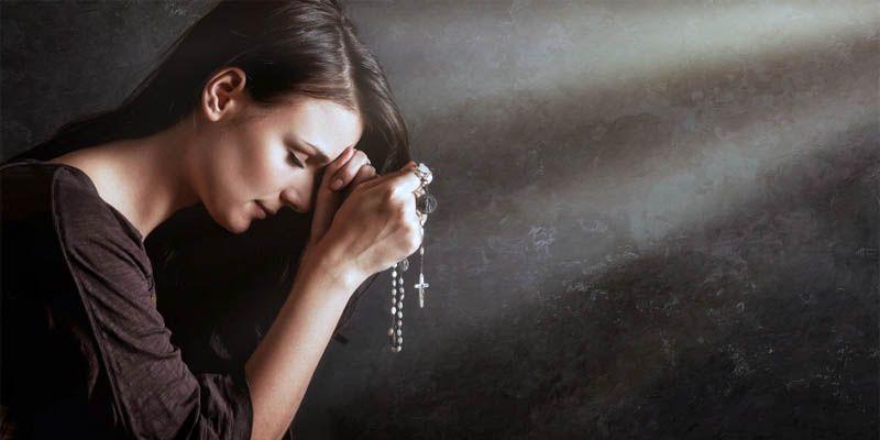 Le più famose preghiere cristiane1-800x400