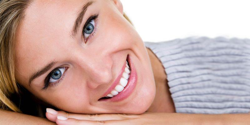 Chi sorride di più vive 100 anni-800x400