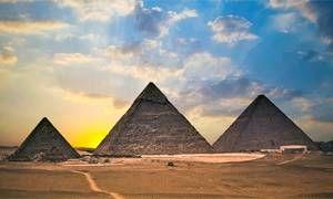 Le maestose piramidi di Giza-300x180