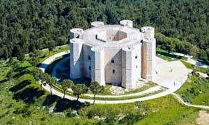 Castel del Monte di Andria-300x180
