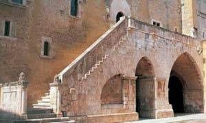 Castello Normanno-Svevo di Gioia del Colle-300x180