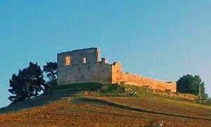 Castello di Gravina di Puglia-300x180