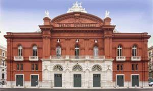 Un teatro dalla storia molto particolare-300x180