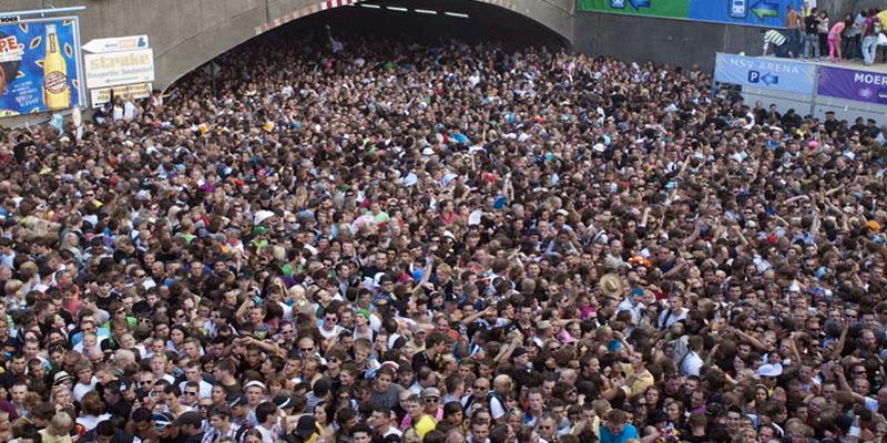 folla-impazzita-4-800x400