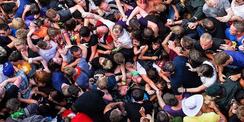 folla-impazzita-6-800x400