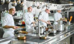 I 5 utensili che non possono mancare in una cucina professionale
