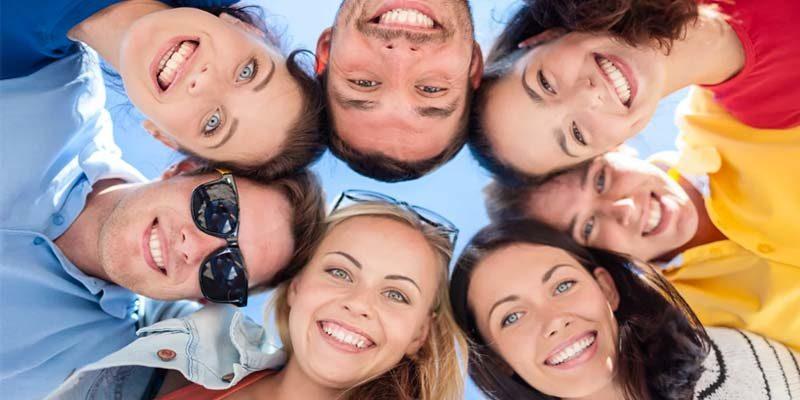 persone felici-1-800x400