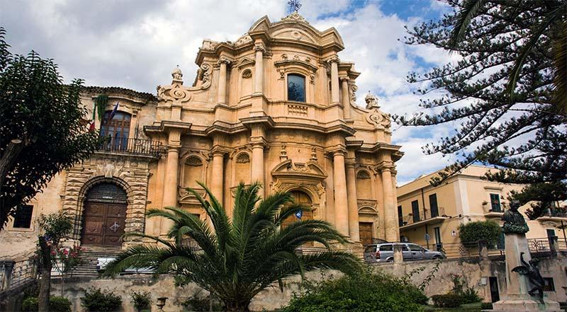 Noto-chiesa san domenico-5-800x400