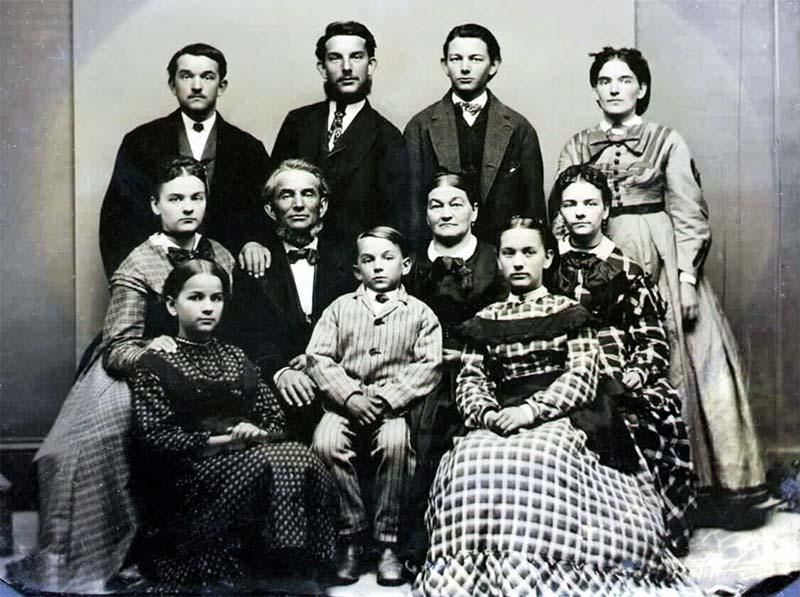 Jesse James-famiglia-2-800x400