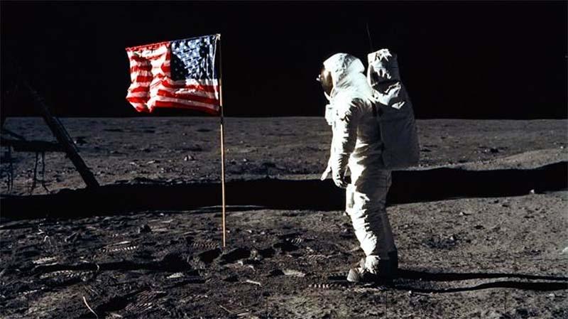 bandiera americana luna-800x400