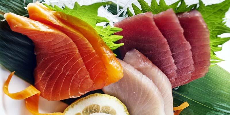 mangiare pesce crudo-5-800x400