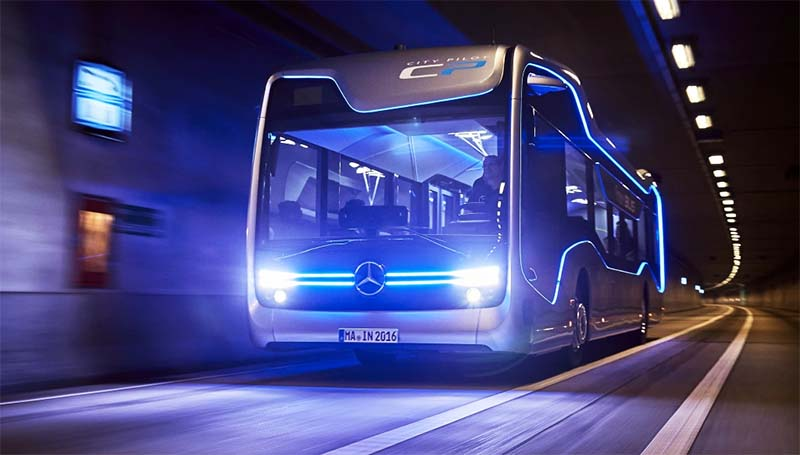 FUTURE BUS DELLA MERCEDES-BENZ-800x400