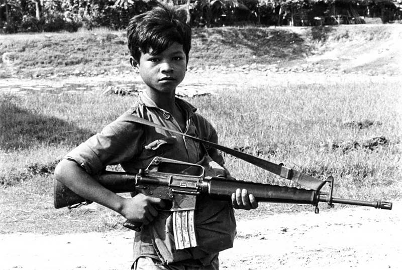 Pol Pot-ragazzo soldato-4-800x400