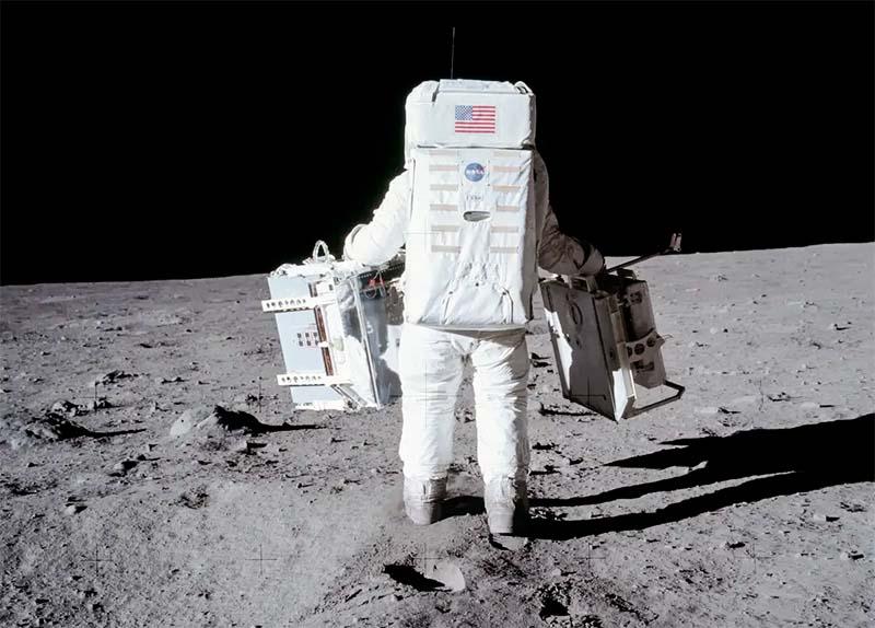 impronte sulla Luna-800x100
