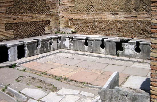 latrine pubbliche