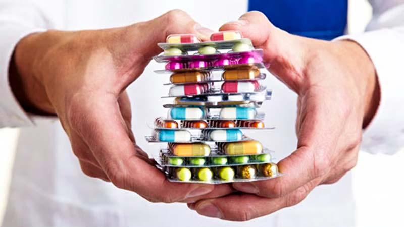 Prendiamo troppi antibiotici-2-800x400