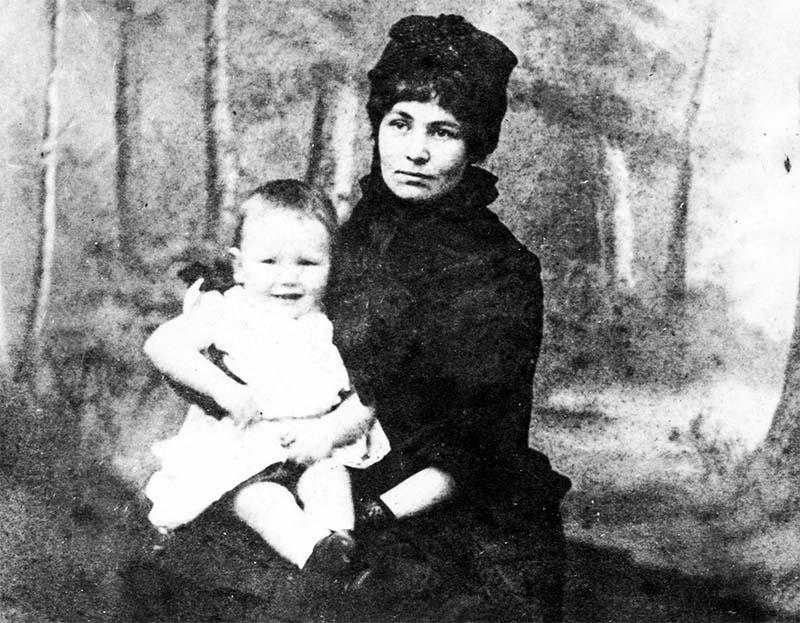 Emmeline Pankhurst-5-800x400