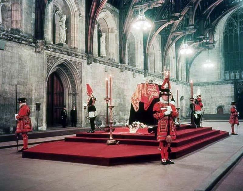 Giorgio VI-3-funerale2-800x400