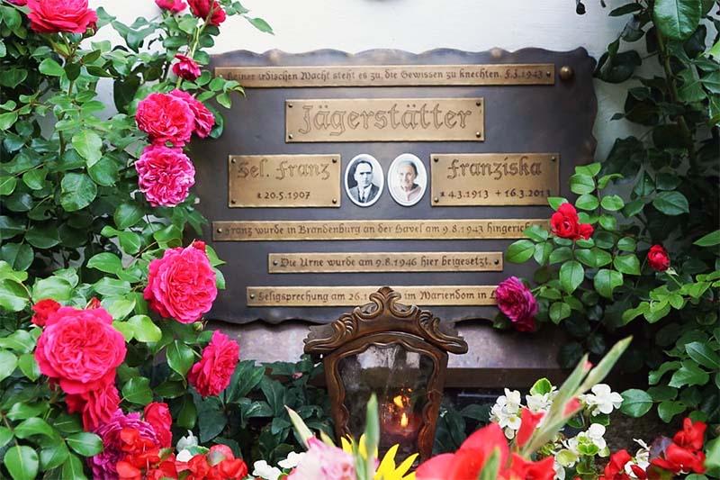 Franz Jägerstätter tomba-12-800x400