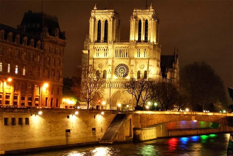 Notre-Dame de Paris-2-800x400