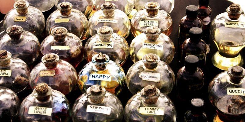bottiglie profumi